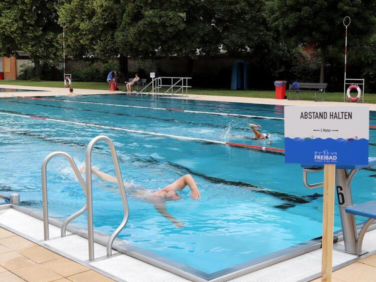 In frauen schwimmbad mannheim für Parkschwimmbad Mannheim