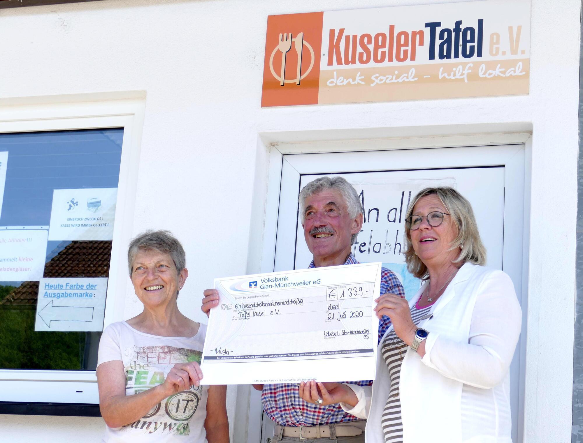 Volksbank Hilft Kuseler Tafel Kusel Die Rheinpfalz
