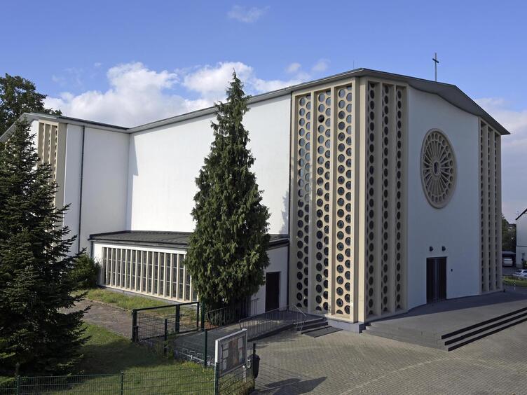 Ludwigshafen mundenheim kirche katholische Pfarrei Ludwigshafen