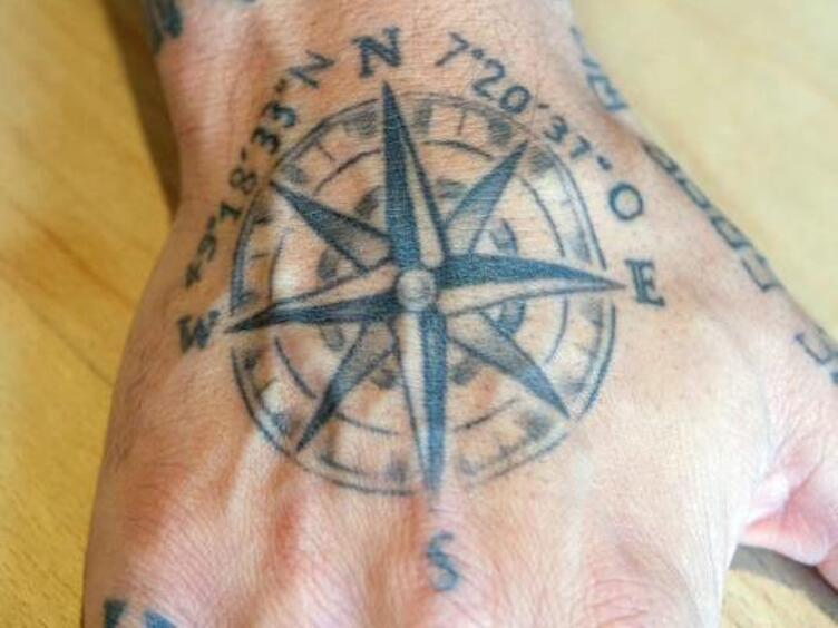 Kompass tätowierung Kompass Tattoos: